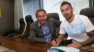 Kolarov signing pic