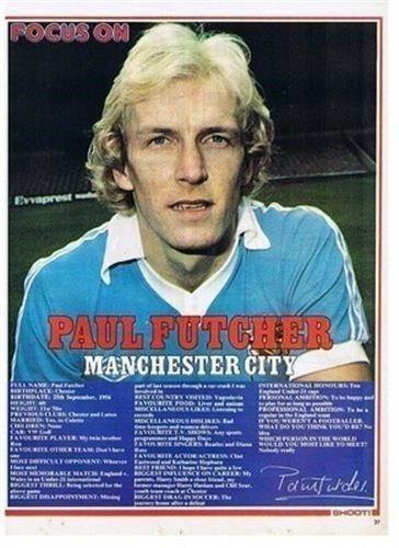 En gammel utgave av fotballbladet Shoot fokuserer på Citys Paul Futcher.