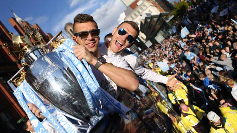 Edin and Nasty getting into the flow of the parade